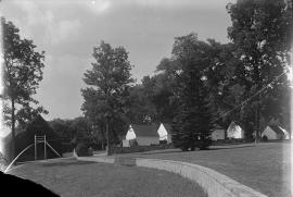Stable and row of houses north at Mount Vernon
