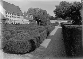 Garden at Mount Vernon and Greenhouses
