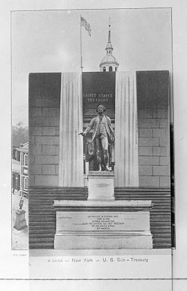 Washington statue at front of United States Treasury Building, New York