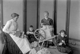 Spinning group : Mesdames Rioux and Berube , Jerome and Mary